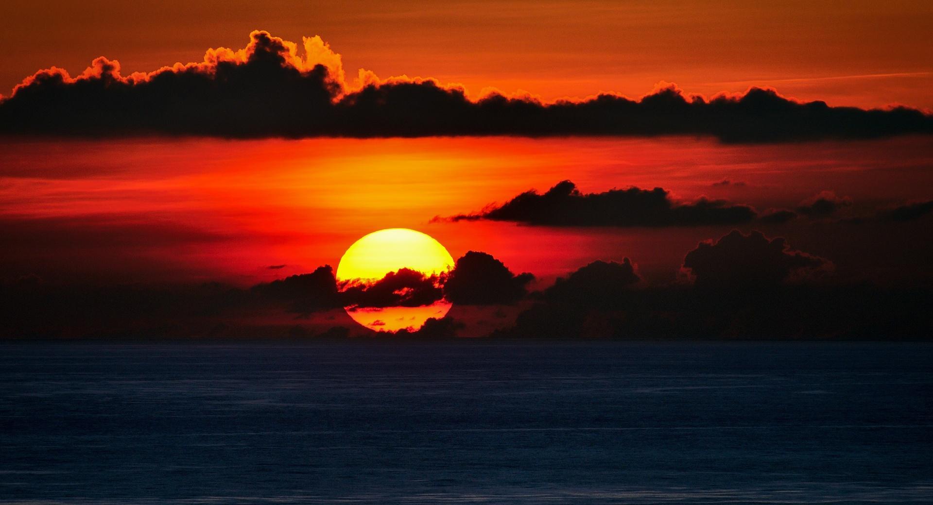 Red Sky, Big Sun Set wallpapers HD quality