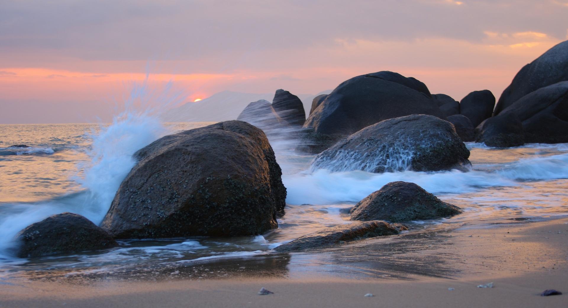 Sea Shore Rocks wallpapers HD quality