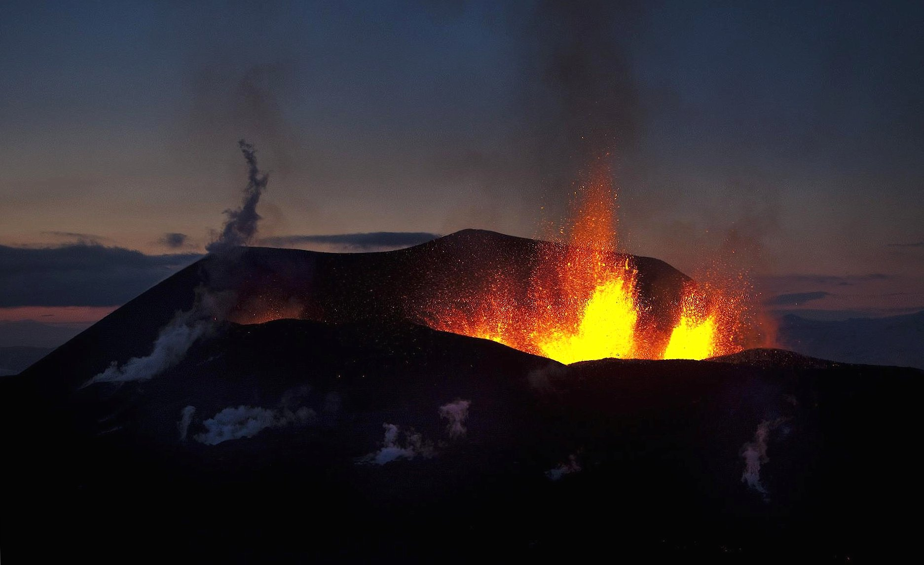 Volcano explosion wallpapers HD quality