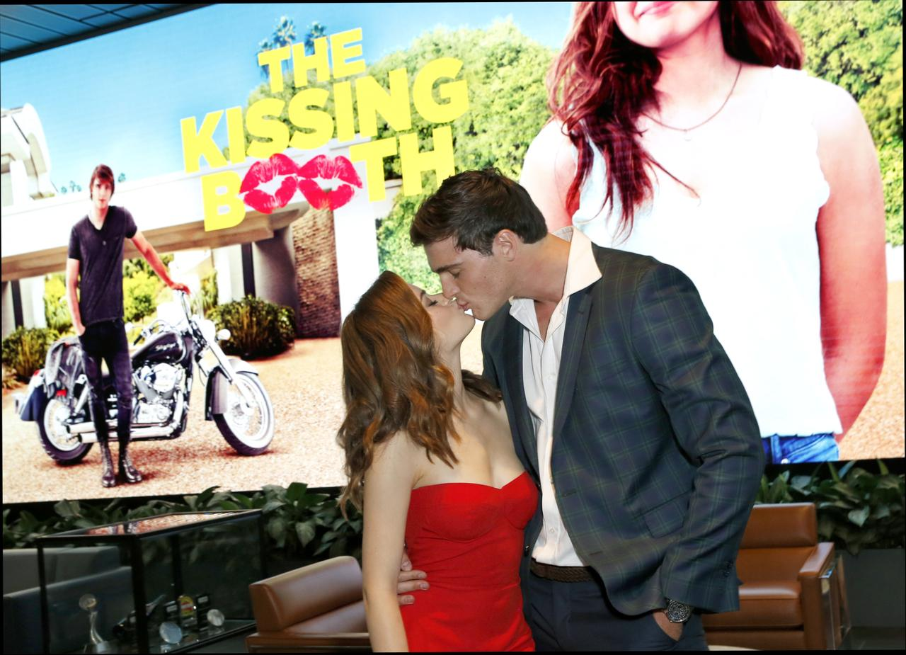 The Kissing Booth at 2048 x 2048 iPad size wallpapers HD quality